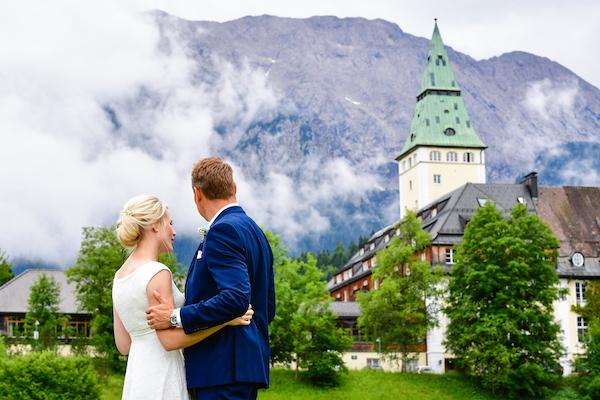 Hochzeit Mit Traumhafter Bergkulisse So Heirateten Daniela Und